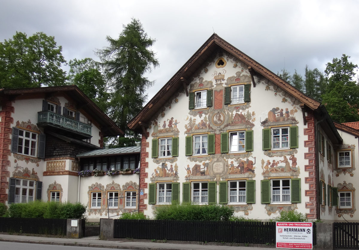 Oberommergau – the drive through art museum