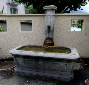 This is another free fountain just down the street. (See the river through the little window in the top right of the wall? That's what we drank.